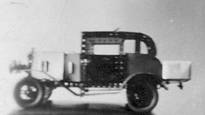 side view of meccano model of old-fashioned car