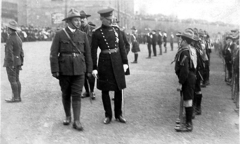 Scoutmaster Shaw escorts Lieutenant-General Baden-Powell at Dudhope 1910